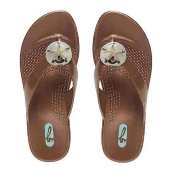 11a9b4bf0c04bd NWTOkab Sandy Sandals Size M L